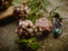 Baileys Trüffel, Baileyscreme in Vollmilchschokolade, dekoriert mit Schokolocken