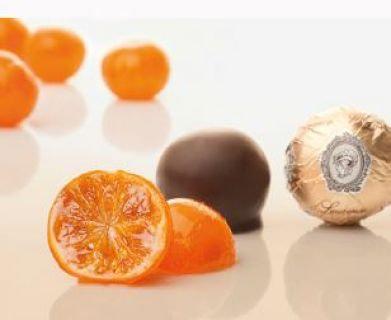 Ganze Mandarine in Zartbitterschokolade, ca. 50 g