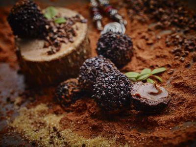 Cappuccino Trüffel, Haselnuss Trüffel, Pralinen Lettland, Nelleulla, Feige Trüffel, Pistazie Trüffel, Erdbeer Trüffel