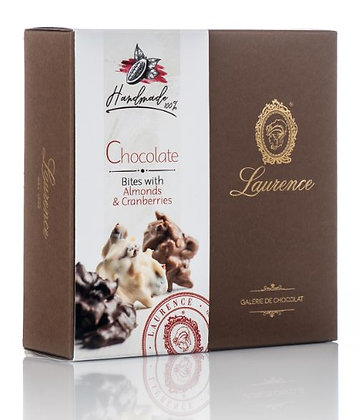 Mandelsplitter mit Cranberries in Schokolade