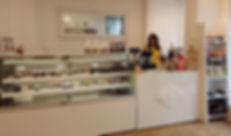Pralina -Karlsruhe - Pralnen - Schokolade - Feinkost - griechische Pralnen - Kourabedes - Kerasmata - Laurence Pralinen - belgische Pralinen -Koulourakia - griechisches Olivenöl -griechischer Honig - Lettland -Mango Trüffel - Kornblume - Champanger Trüffel