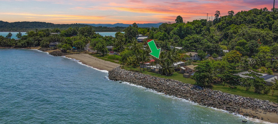 10 Elizabeth Streeet Flying Fish Point OBrien Real Estate Cairns & Beaches Daniel Arnott Monique Cruse