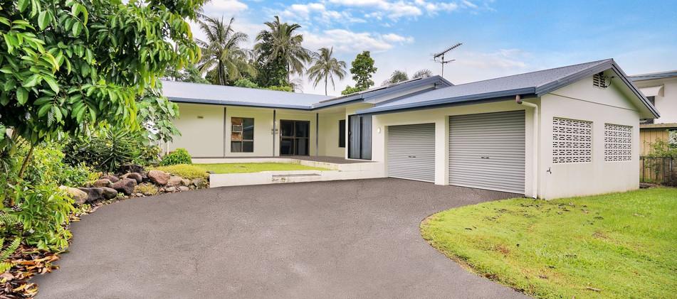 4 Feldt Street Flying Fish Point OBrien Real Estate Cairns & Beaches Daniel Arnott Monique Cruse