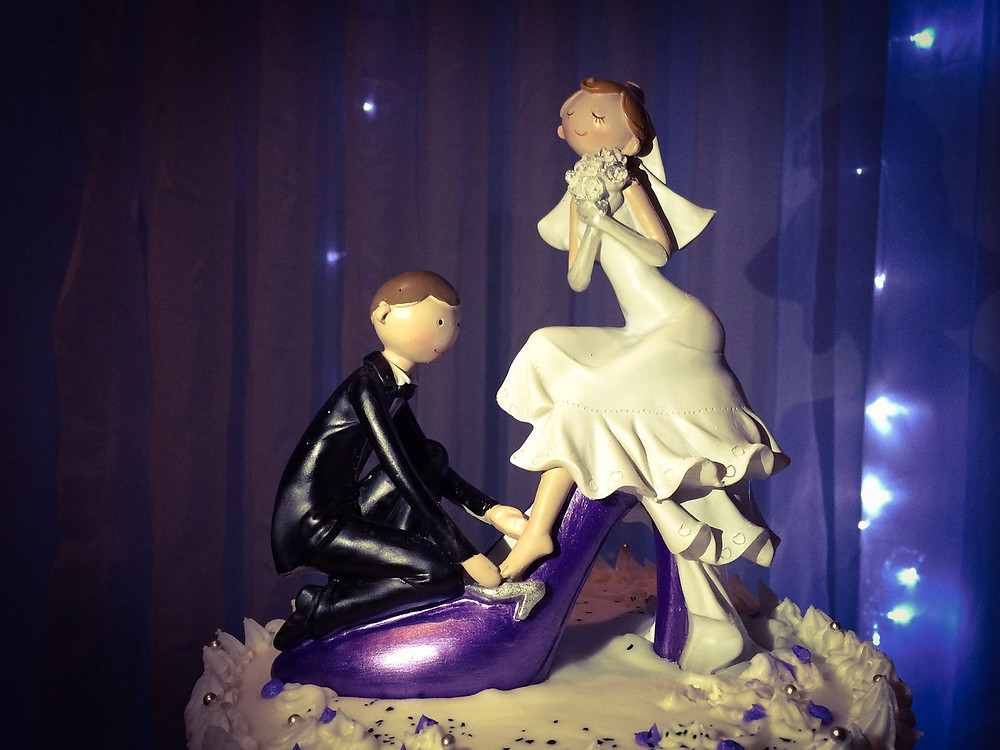 torta de bodas con muñecos; cake topper