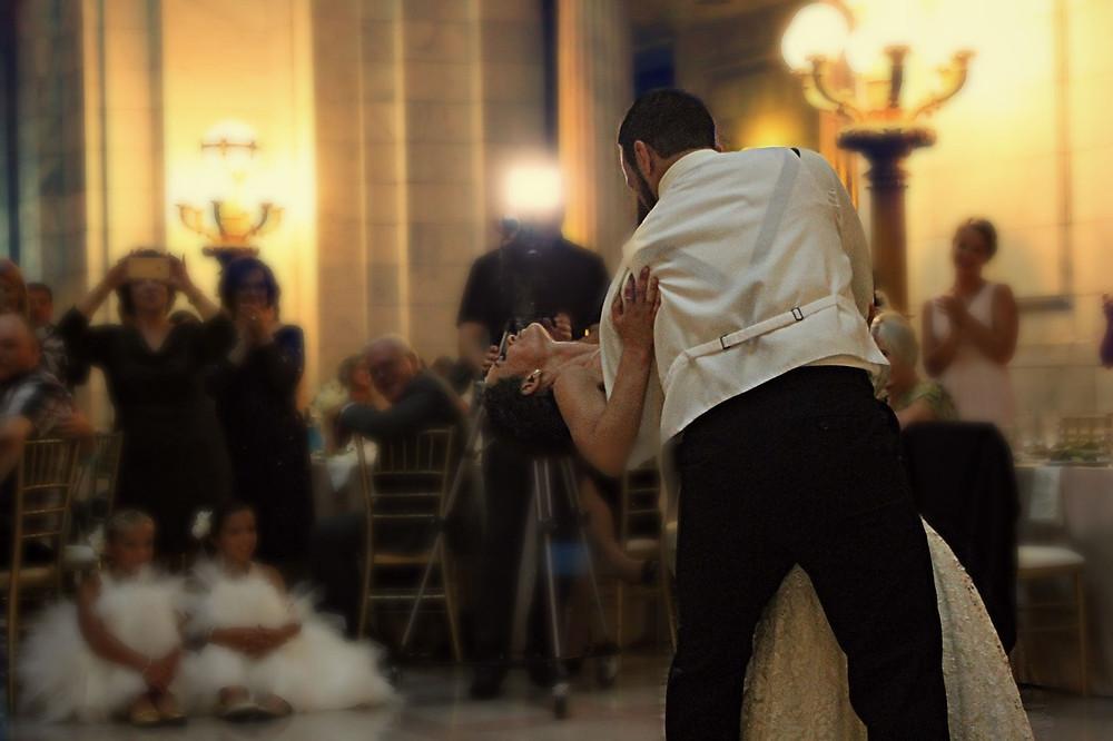 boda romántica; baile de novios