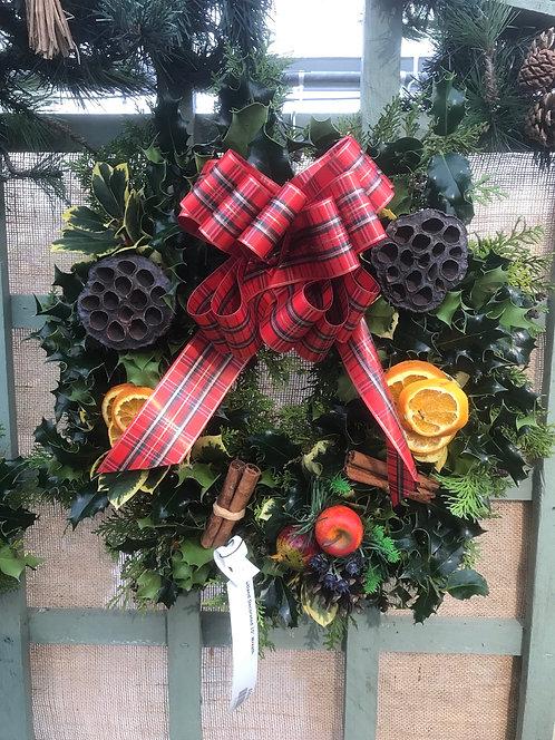 "10"" Decorated Wreath"