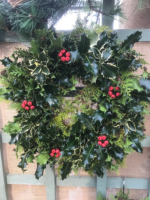 "Plain 10"" Holly Wreath"