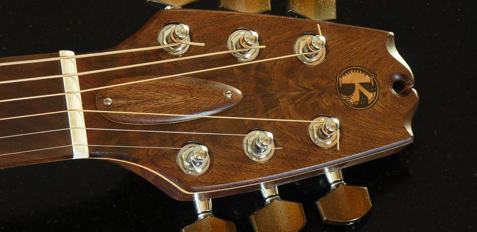 parlor_guitar_#1_07.jpg