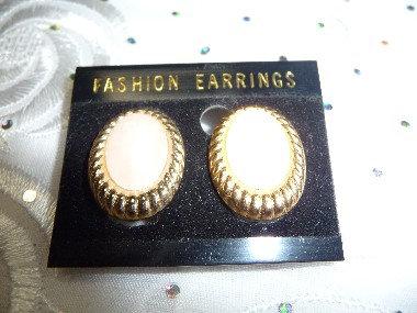 Beige & Gold Earrings