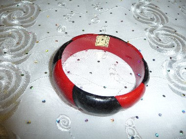 Wood Black & Red Bracelet