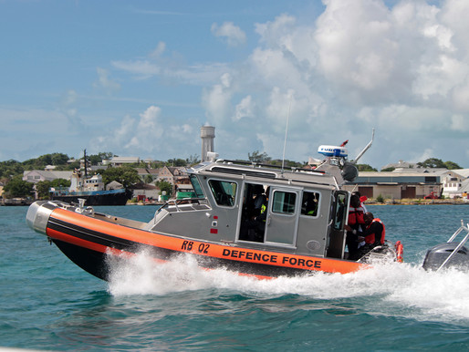 Frantic search for missing fishermen