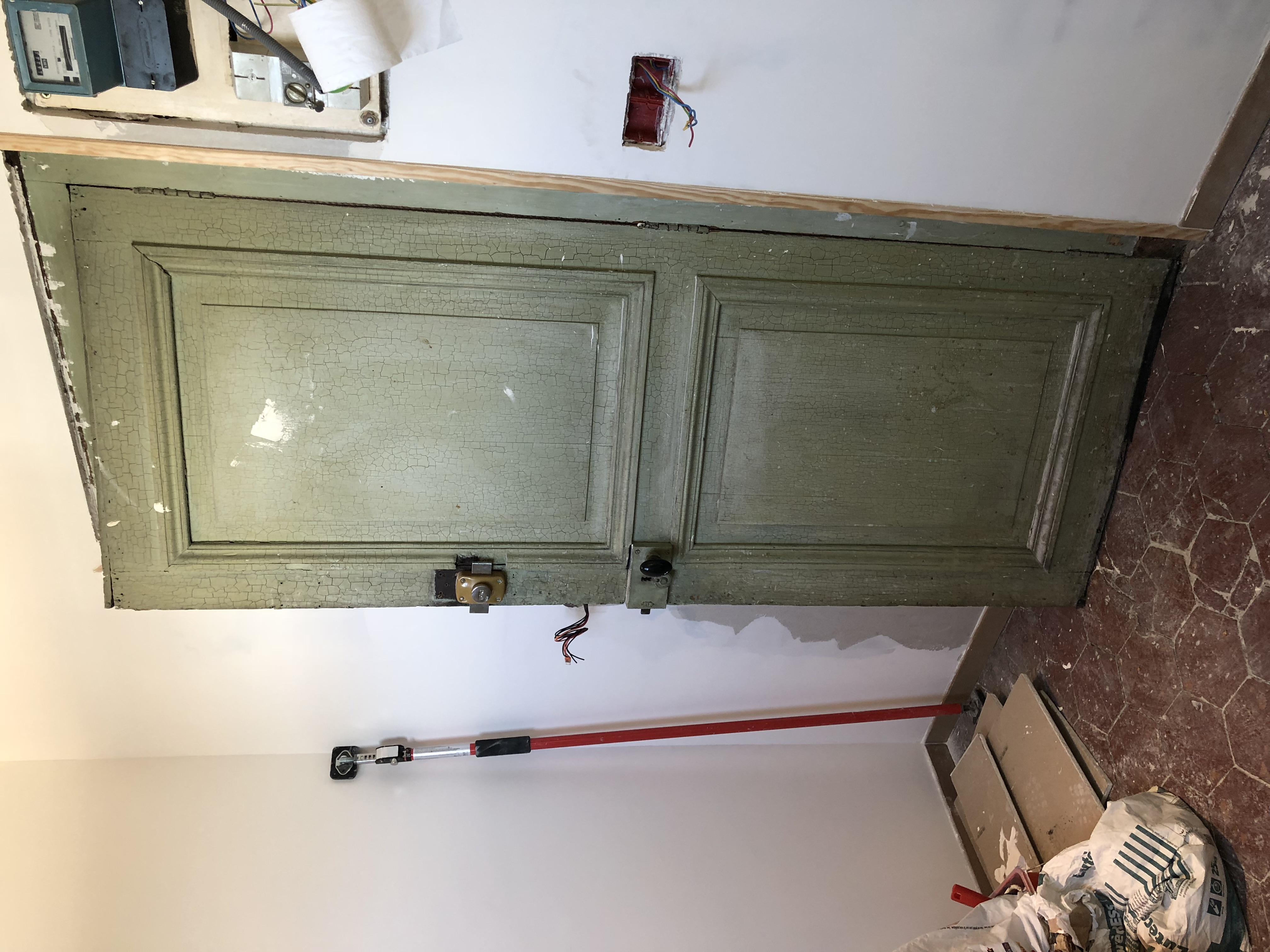 Pose d'une porte blindée
