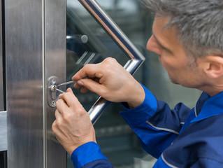 5 méthodes infaillibles pour ouvrir une porte claquée soi-même !