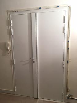 Porte double-vantaux blindée