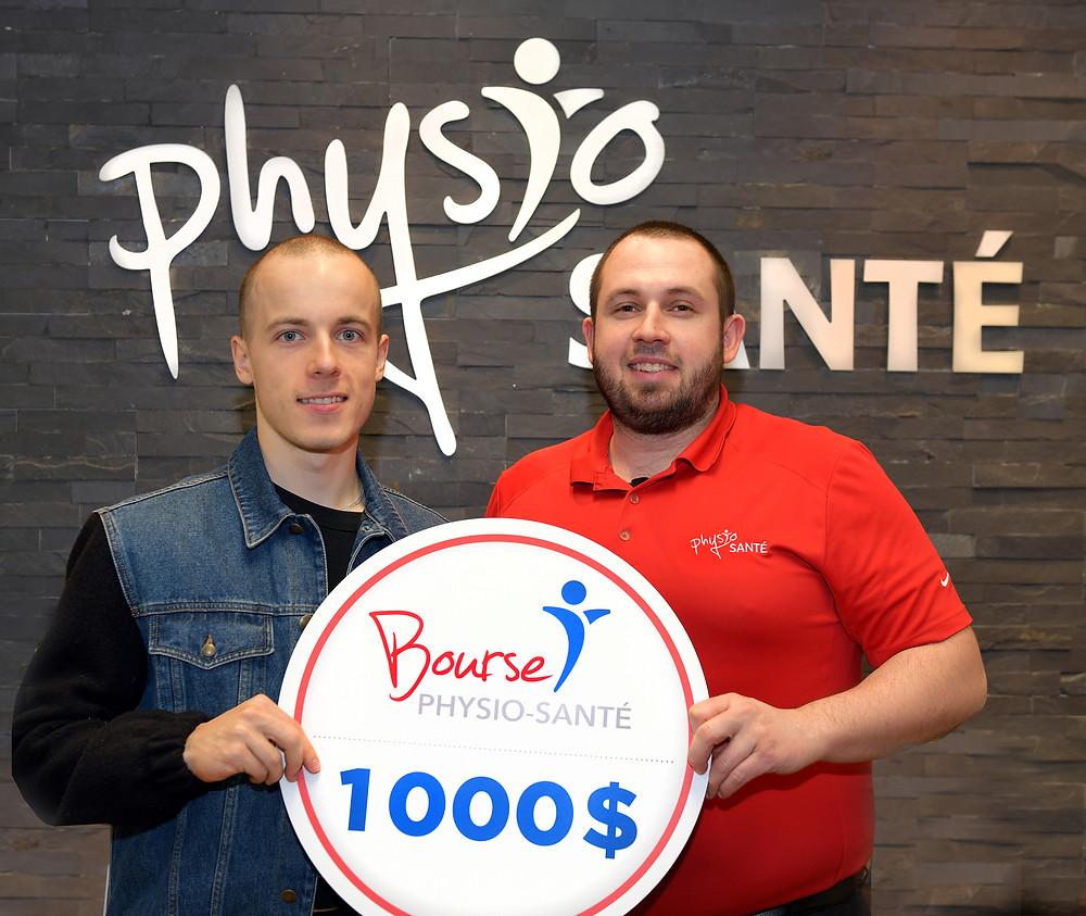 Tristan Guillemette et M. Steve Vallerand copropriétaire des Clinique Physio-Santé.