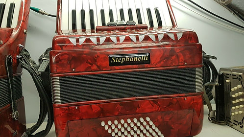 Stepahnelli 48 Bass Piano Accordion