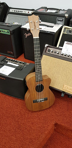 Tanglewood TWT15E Tenor size ukulele with pre-amp/tuner