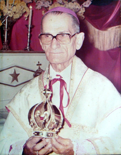 D. Castro em cerimônia de coroação