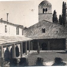 Claustro do Mosteiro de Bedoin