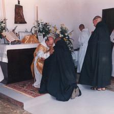 Noviços aceitos para a vida monástica