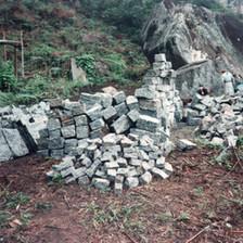 Uma extração de rochas é instalada na fazenda