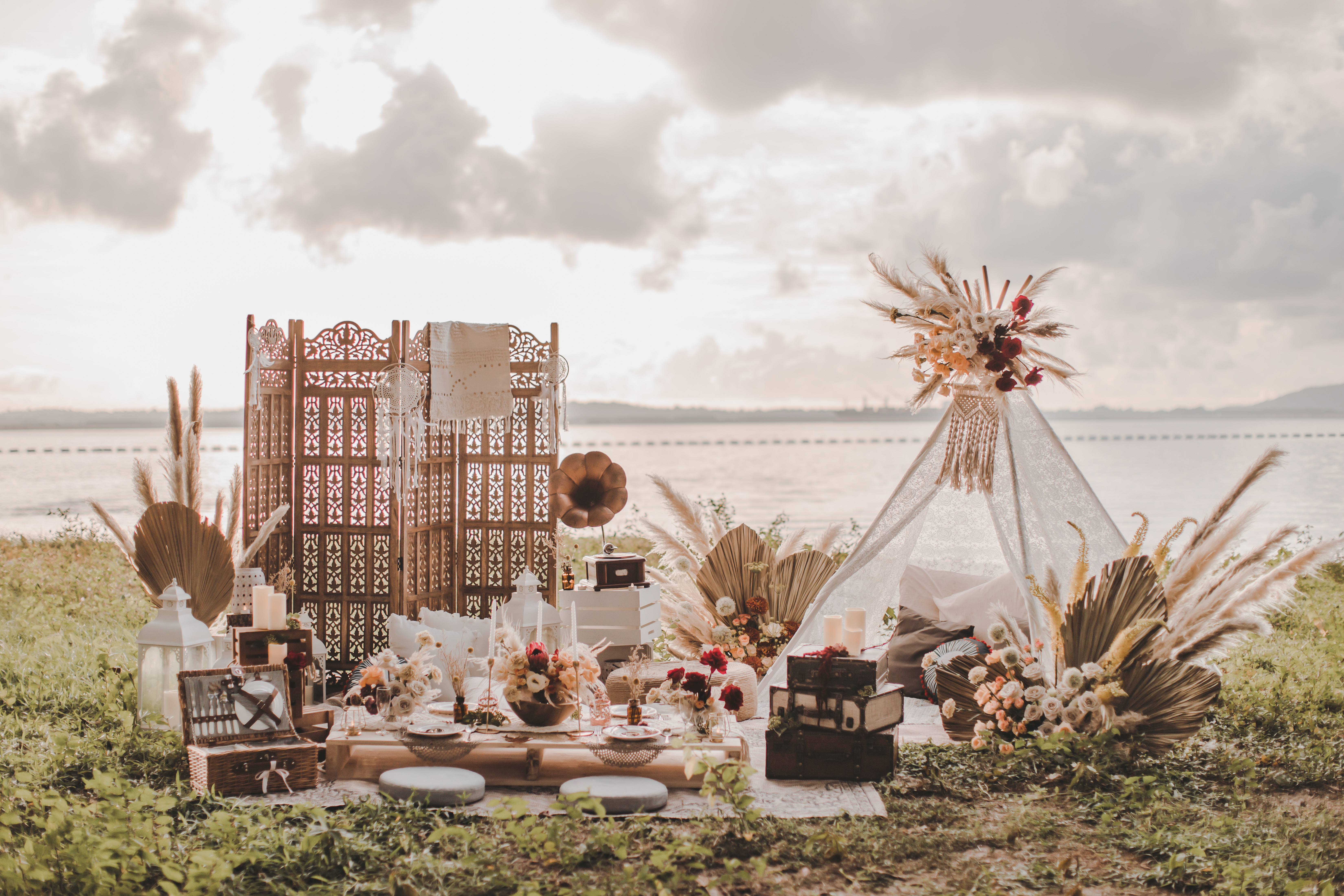 Bohemian Beach Picnic Styled Shoot