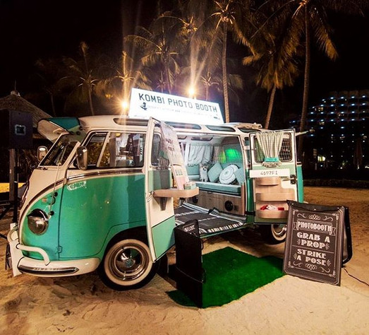add a little vintage touch to your event by having a Volkswagen kombi photo-booth van!  ve