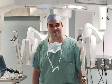 Dr. Bertelli é pioneiro em cirurgia robótica no Brasil