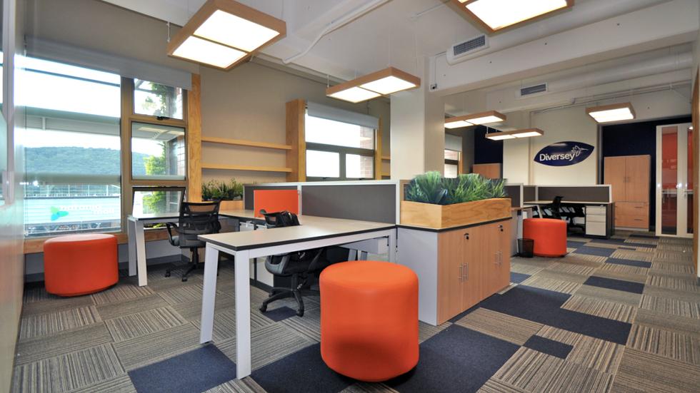 Oficina diseñada por Atelier de Espacios