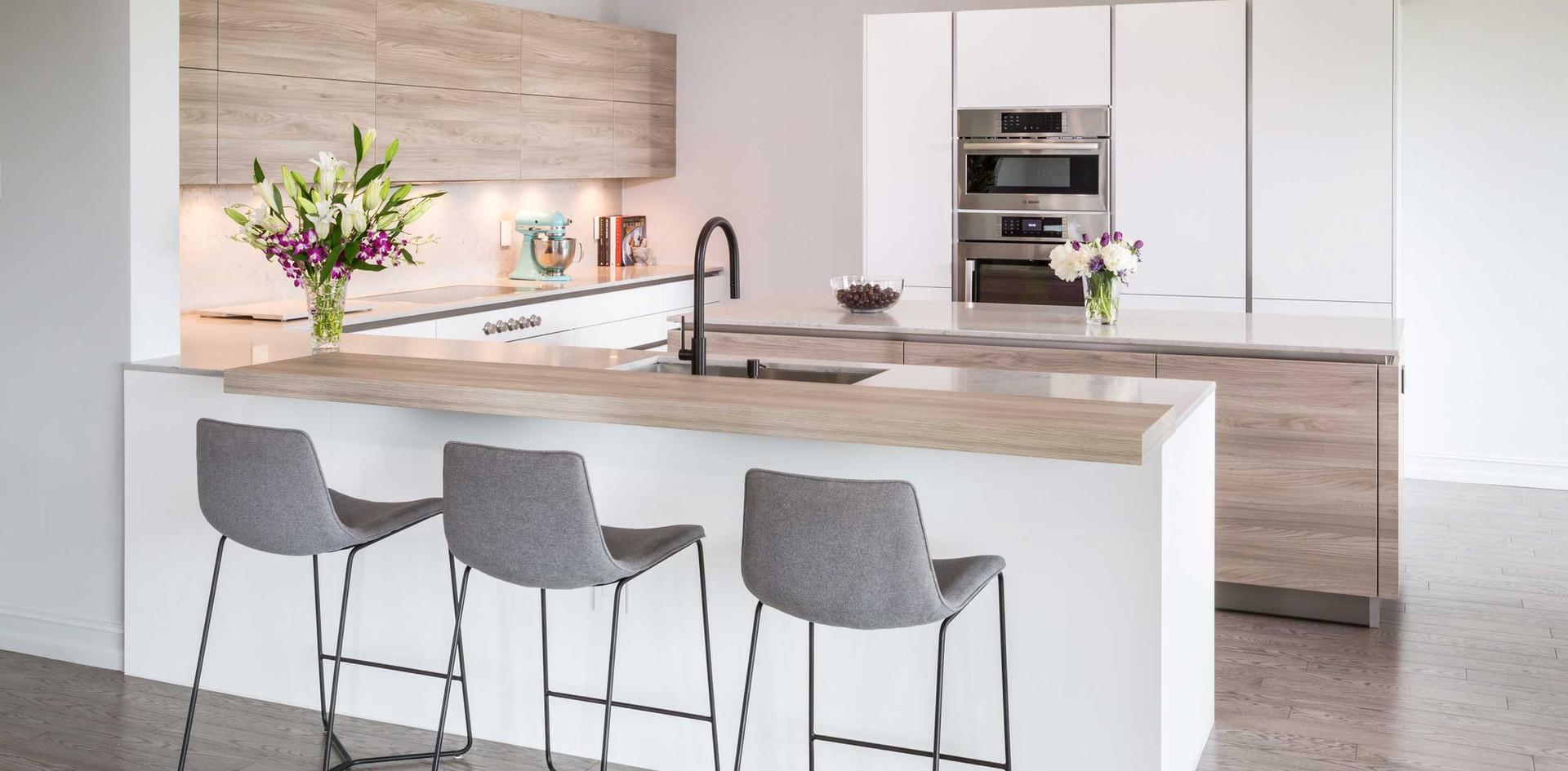 Modern White Fenix Kitchen - Stefanie Ag