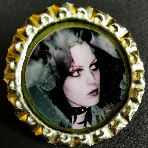 GAYE ADVERT COLOUR BADGE