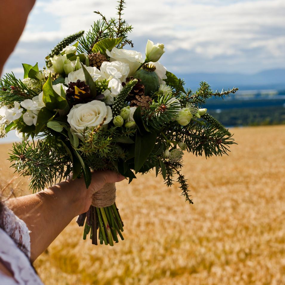 brudbuket i jämtlänskt stil