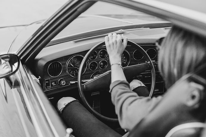 Mädchen im Auto