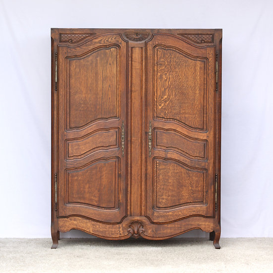 French-antique-vintage-oak-carved-armoire-wardrobe-nz-new-zealand-image-1