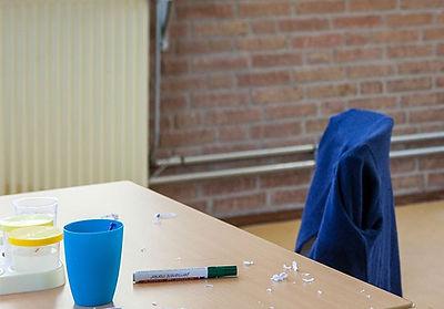 jongen-aan-het-werk-in-de-klas_bewerkt.j