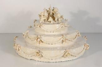 louise-erhard-resin-cake-sculpture-1+cop