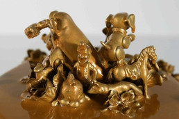 louiseerhard-cake-sculpture-gold-resin-`