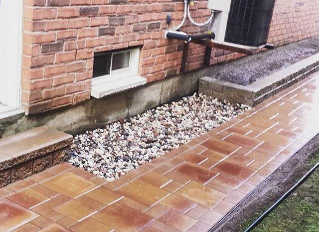 Interlock - Side House Entrance/Step/Garden Wall