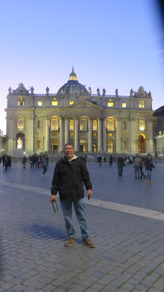 El Papa Francisco, un hermano y menor como Francisco de Asís