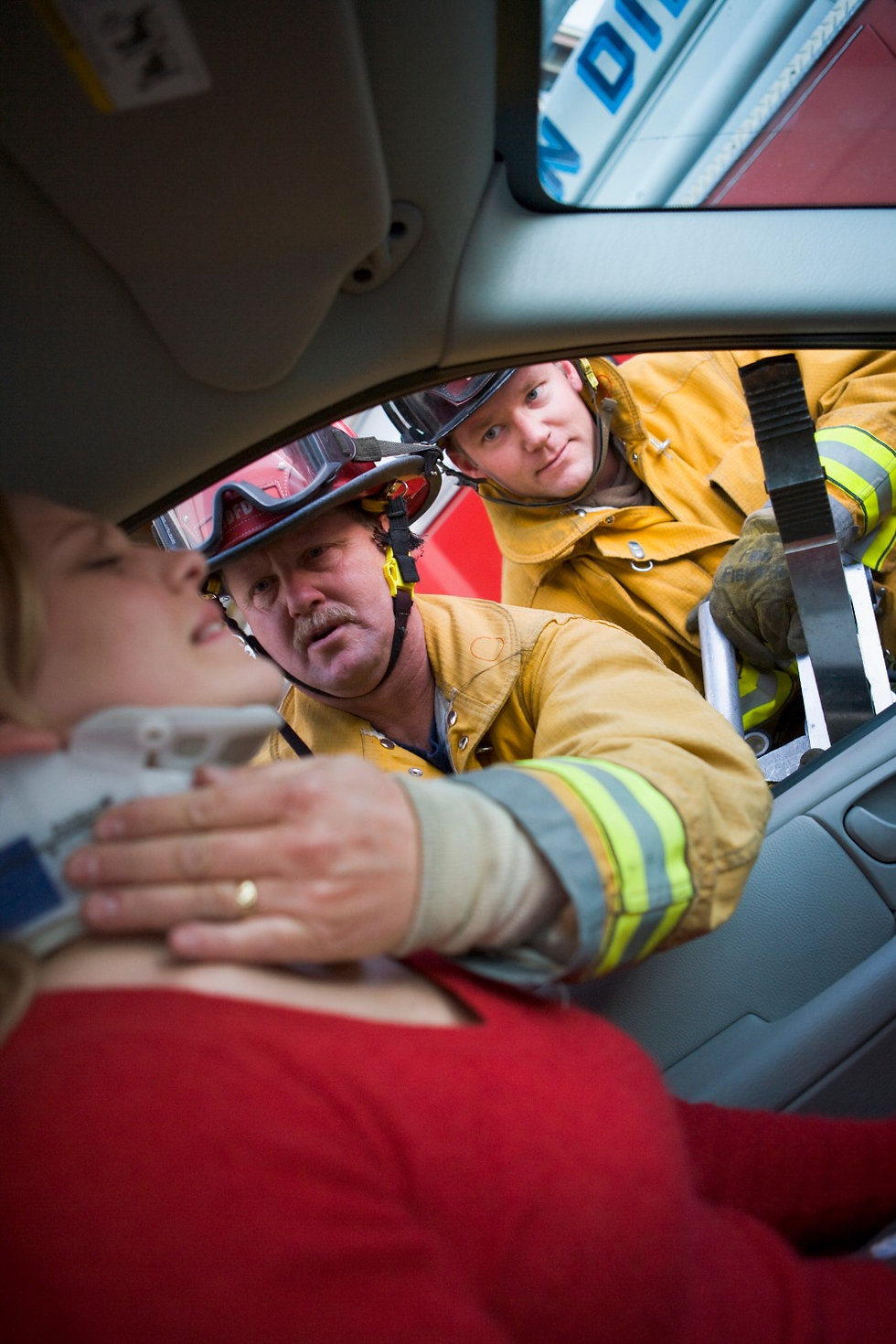 firefighters-helping-an-injured-woman-in
