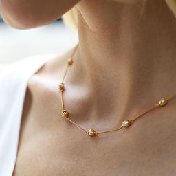 Penelope_Delicate_Station_Necklace_2_100
