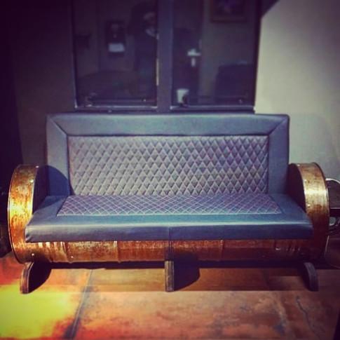 Sofá personalizado em couro
