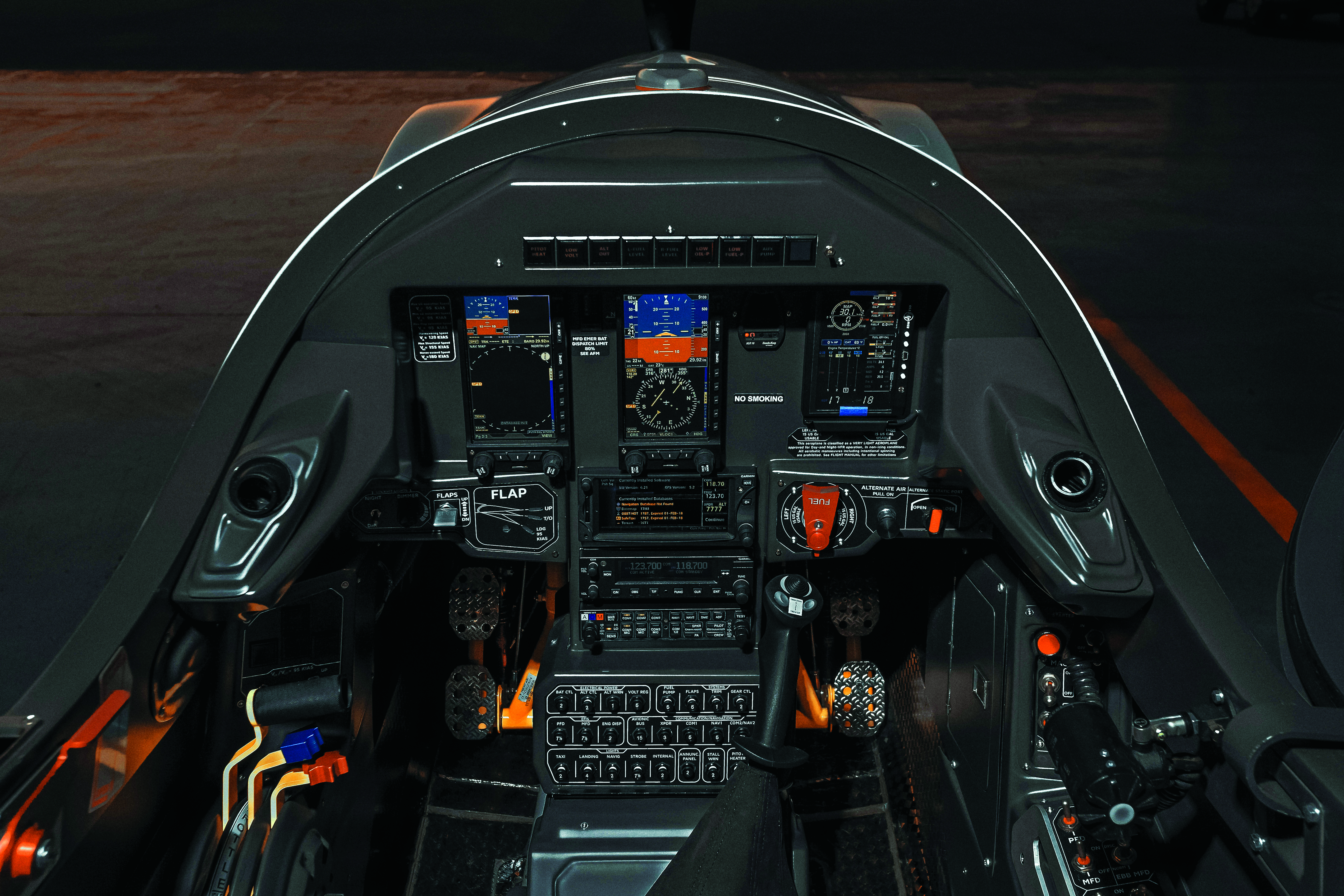 Blackshape_cockpit_2