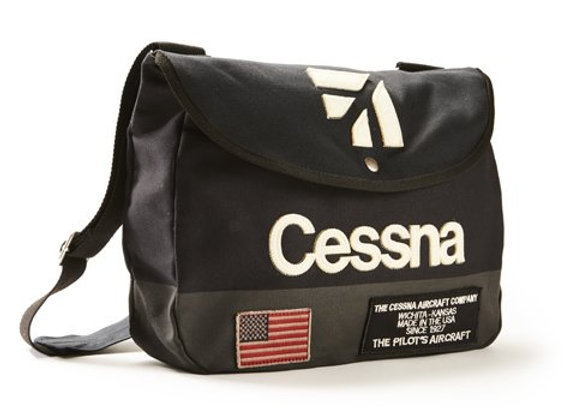 CESSNA SHOULDER BAG - Made of 100% cotton twill.