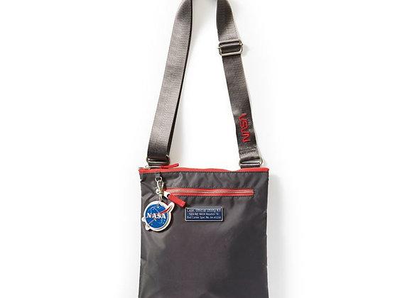 NASA POUCH - Made of 100% nylon.