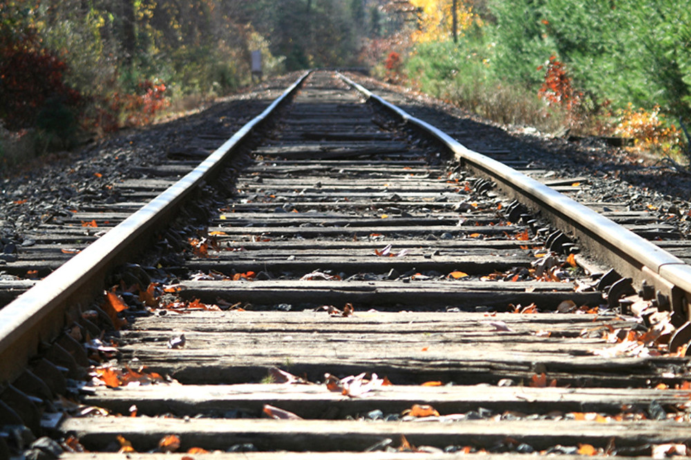 railroad_tracks.jpg