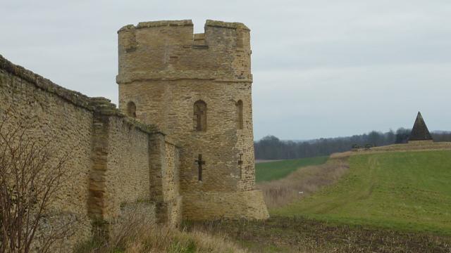 Castle ~Howard Stray Walls reduced
