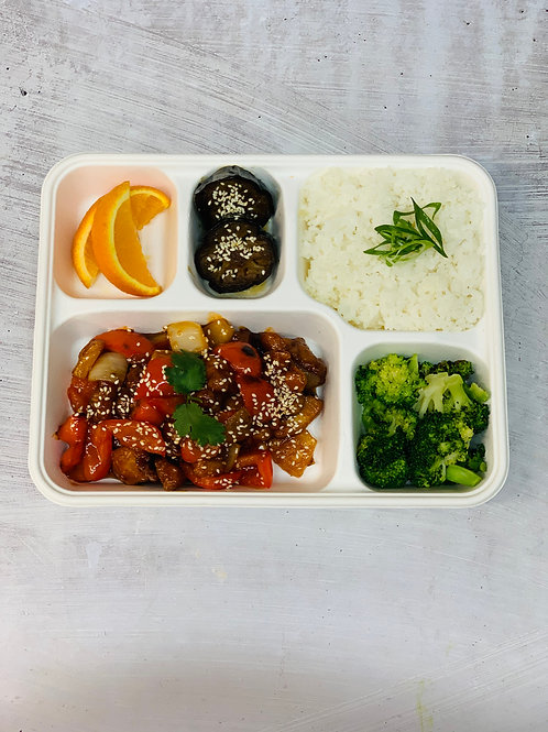 Lunch Sweet n Sour Pork Bento box