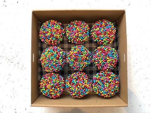 RAINBOW CUPCAKES  (BOX9)