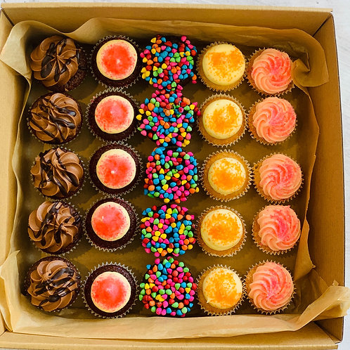 Assorted Mini Cupcakes (BOX 25)